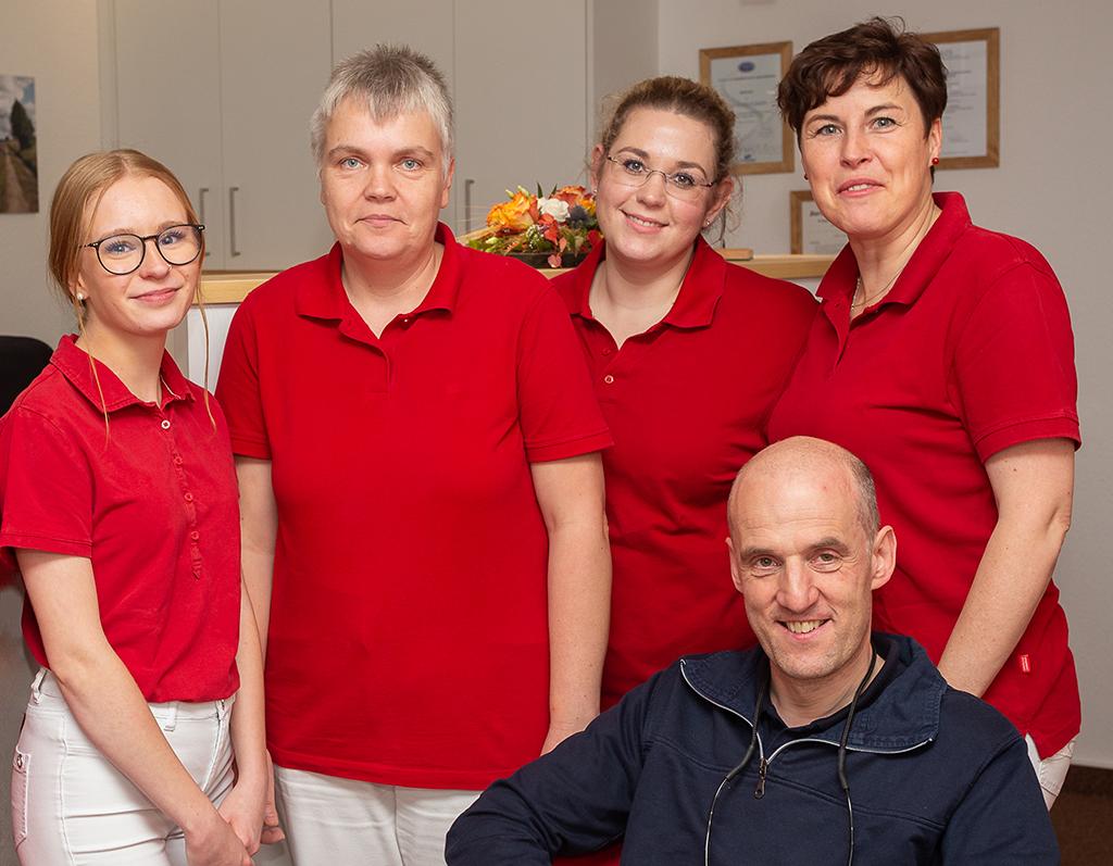 Zahnarztpraxis Voigtländer - das Team um Sascha Voigtländer