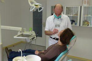Füllungstherapie in der Zahnarztpraxis Voigtländer